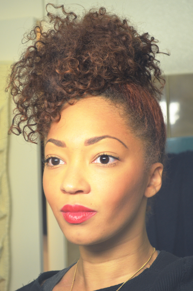mercredie-blog-mode-beaute-cheveux-geneve-switzerland-coiffure-nappy-bun-afro-hair-natural-couleur-curls-boucles-frises-curly