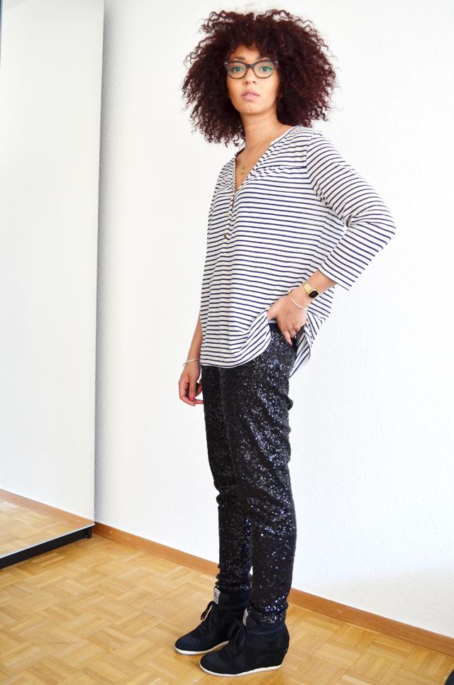 mercredie-blog-mode-geneve-suisse-mariniere-h&m-pantalon-legging-sequins-noirs-afro-hair-cheveux-frises-rayban-cateye-ash-bowie-black