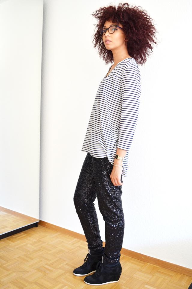 mercredie-blog-mode-geneve-suisse-mariniere-h&m-pantalon-legging-sequins-noirs-afro-hair-cheveux-frises-rayban-cateye3-ash-bowie-black