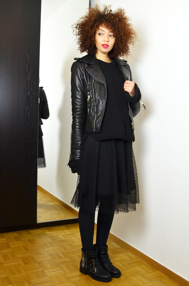 mercredie-blog-mode-geneve-fashion-blogger-zara-2013-plumetis-skirt-jupe-balenciaga-biker-jacket-black-afro-hair-nappy-curls-curly