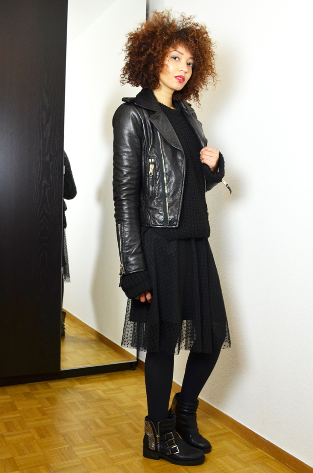 mercredie-blog-mode-geneve-fashion-blogger-zara-2013-plumetis-skirt-jupe-balenciaga-biker-jacket-black-afro-hair-nappy-curls-curly2