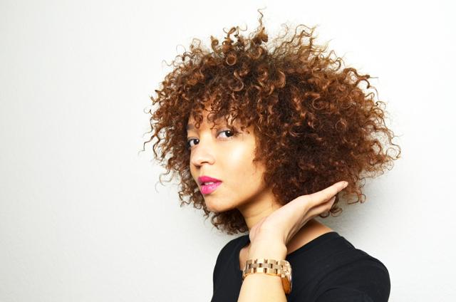 mercredie-blog-cheveux-afro-metisse-se-couper-ses-cheveux-soi-meme-hair-cut-trim-technique-pointes-boucles-nappy-naturels2