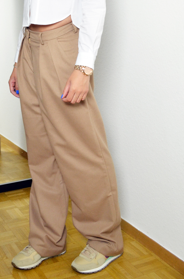 mercredie-blog-mode-geneve-fashion-blog-geneva-suisse-switzerland-chemise-courte-blanche-zara-kurly-klips-cheveux-afro-my-spirals-pantalon-frontrowshop-nike-pegasus-beige-vintage