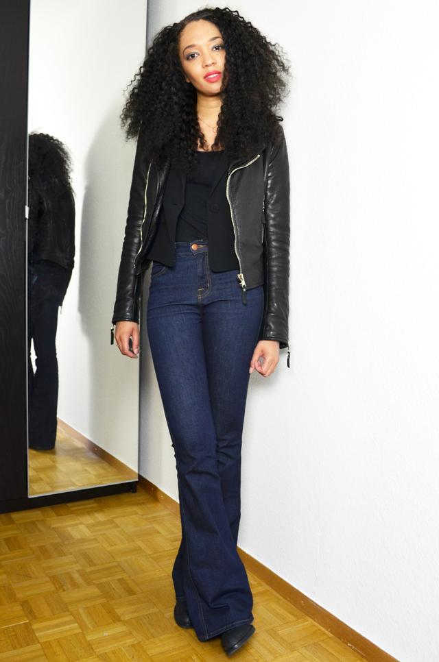 mercredie-blog-mode-geneve-jean-flare-jbrand-jeans-balenciaga-biker-jacket-perfecto-kurly-klips-shoulder-my-spirals-acne-pistol-boots