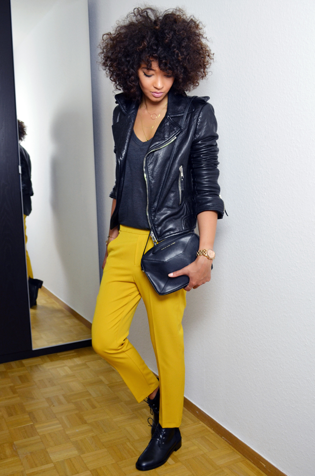 mercredie-blog-mode-beaute-geneve-suisse-perfecto-biker-jacket-leather-cuir-balenciaga-sac-marc-by-jacob-pantalon-jaune-afro-hair-cheveux-frises-souliers-and-other-stories