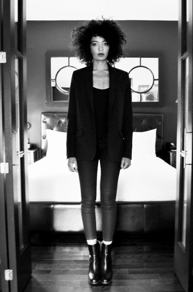 mercredie-blog-mode-new-york-conseils-voyage-hotel-avis-duane-street-hotel-tribeca-suite-chambre-bottines-h&m-blazer-acne-navy2