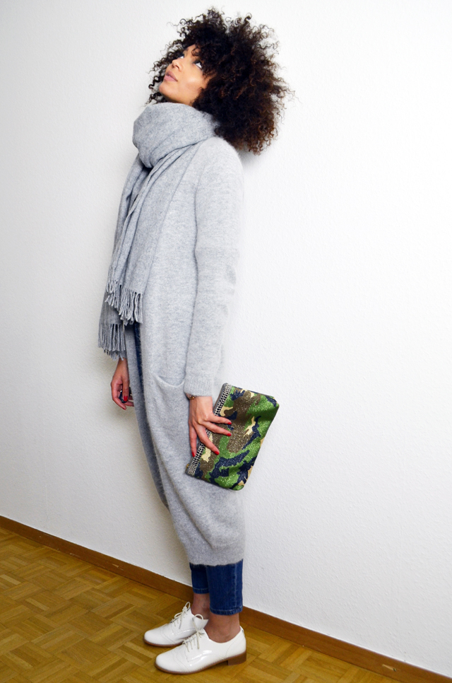 mercredie-blog-mode-gilet-long-acne-like-vila-modress-richelieu-blanc-boyfriend-jean-current-elliott-pochette-camouflage-catherine-membre