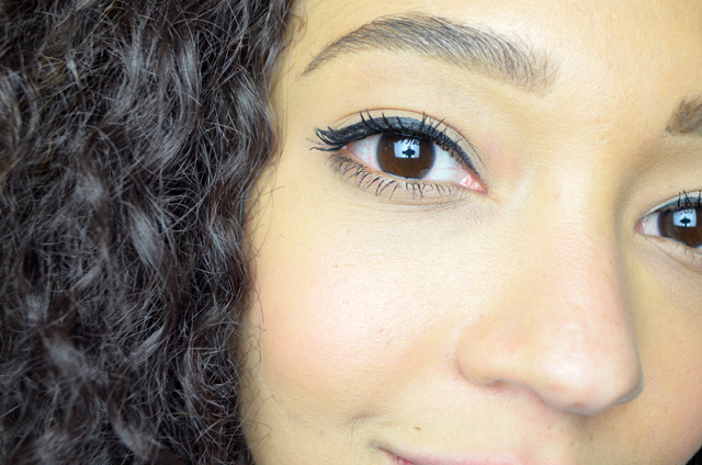 mercredie-blog-beaute-maquillage-makeup-test-avis-mascara-sephora-outrageous-curl-volume-curve2
