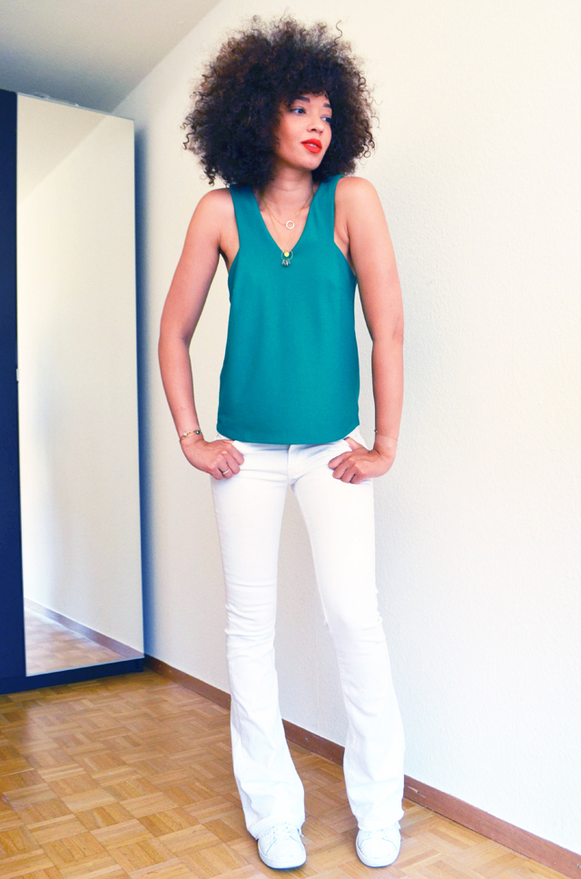 mercredie-blog-mode-top-vert-mango-ceinture-zebre-lipstick-rouge-levres-mac-lady-danger-matte-pantalon-pattes-d-elephant-blanc-zara-stan-smith-adidas-adeline-affre-nassima3