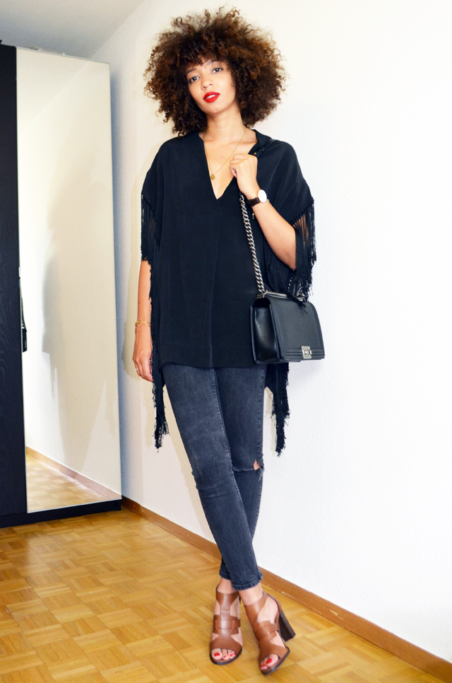 mercredie-blog-mode-geneve-suisse-sandales-123-ilena-cuir-marron-top-franges-by-malene-birger-marinetta-chanel-afro-hair-cheveux-frises-naturels-natural-le-boy-chevron