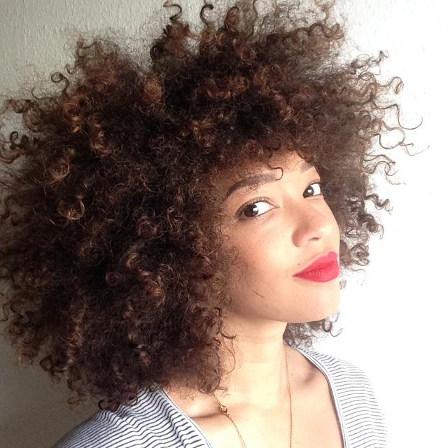 mercredie-blog-beaute-cheveux-naturels-afro-hair-natural-3C-nappy-frises-boucles-routine-couleur-dye