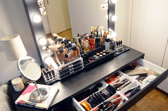 mercredie-blog-beaute-geneve-suisse-coiffeuse-crafters-calendar-vanity-table-miroir-lampes-ampoule-micka-ikea-maquillage-makeup-organizer-acrylic2