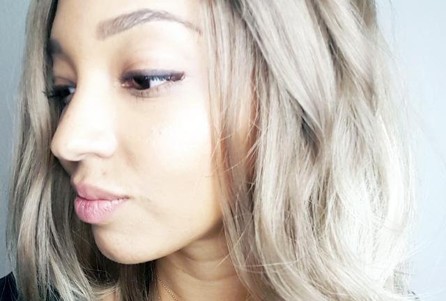 mercredie-blog-beaute--test-avis-review-cheveux-afro-frises-naturels-lacewig-blonde-beyonce-ciara-long-wavy-bob-unikbe-sur-mesure-ombre3