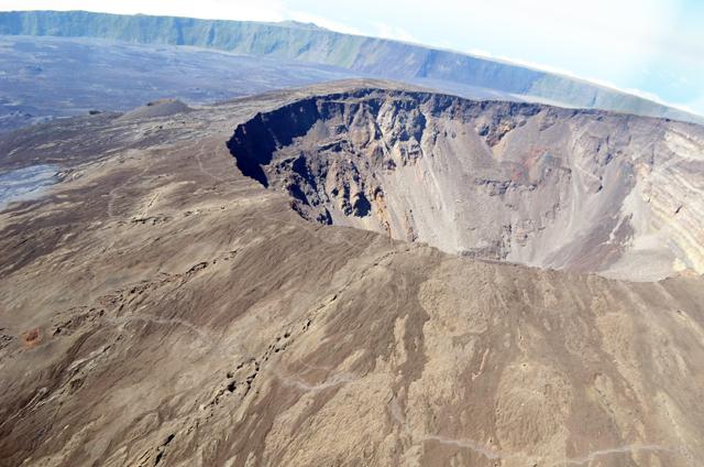 mercredie-blog-mode-voyage-la-reunion-avis-guide-tourisme-montagne-plage-volcan-piton-de-la-fournaise-cascade-helicoptere-helilagon-avis7