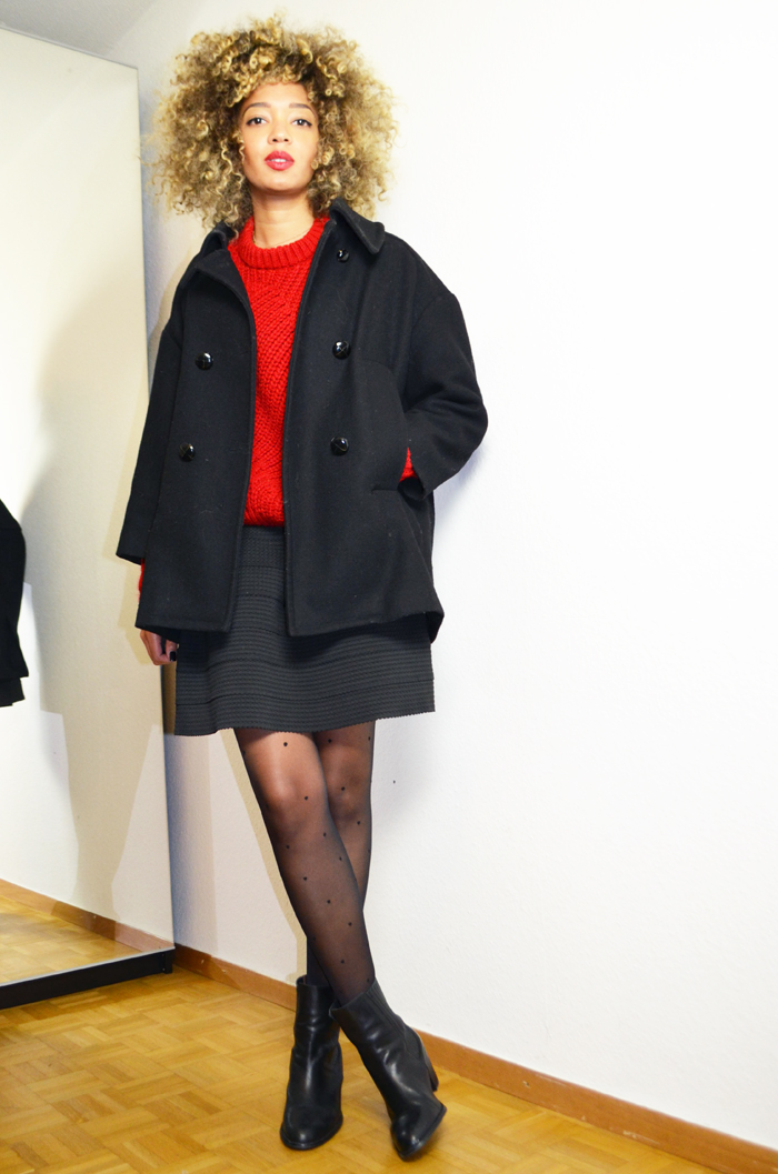 mercredie-blog-mode-geneve-collants-plumettis-etam-bottines-h&m-cuir-pull-rouge-oversized-red-sweater-wool-bimba-y-lola-manteau-isabel-marant-etoile-curly-naturels-afro2