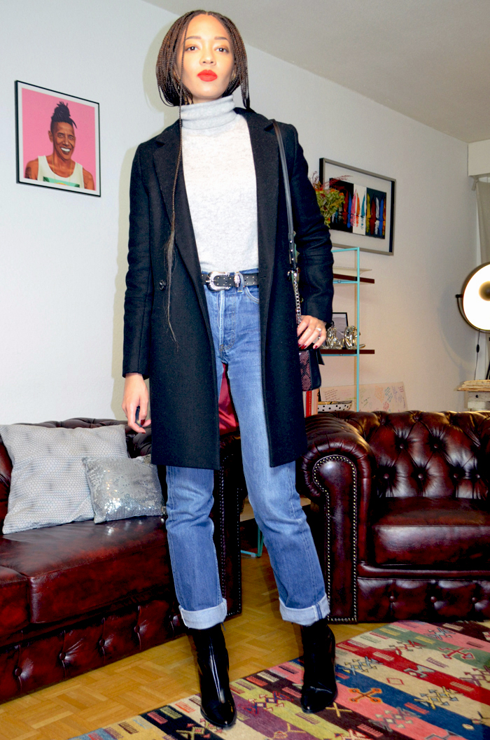 mercredie-blog-mode-jean-levis-501-bottines-boots-zara-ceinture-western-mango-pull-col-roule-cachemire-la-redoute-box-braids-long-kanekalon-zoe-kravitz-manteau-pardessous-trench-and-coat-arbre-noir