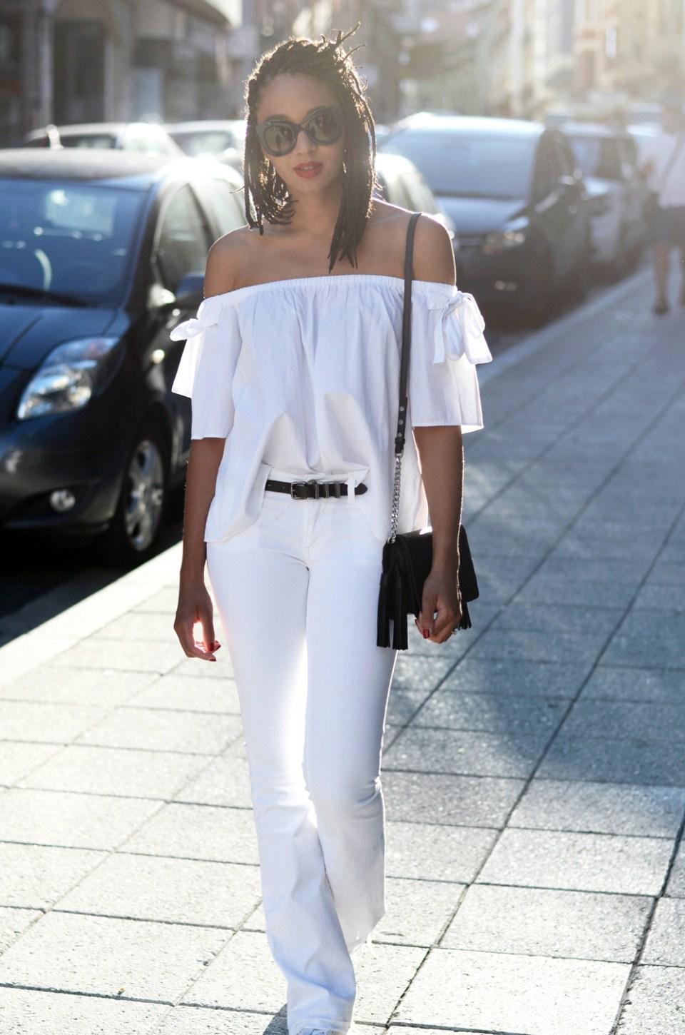 mercredie-blog-fashion-blogger-mode-geneve-suisse-santander-celine-marta-all-white-outfit-flare-elisabetta-franchetti-ceinture-kooples9