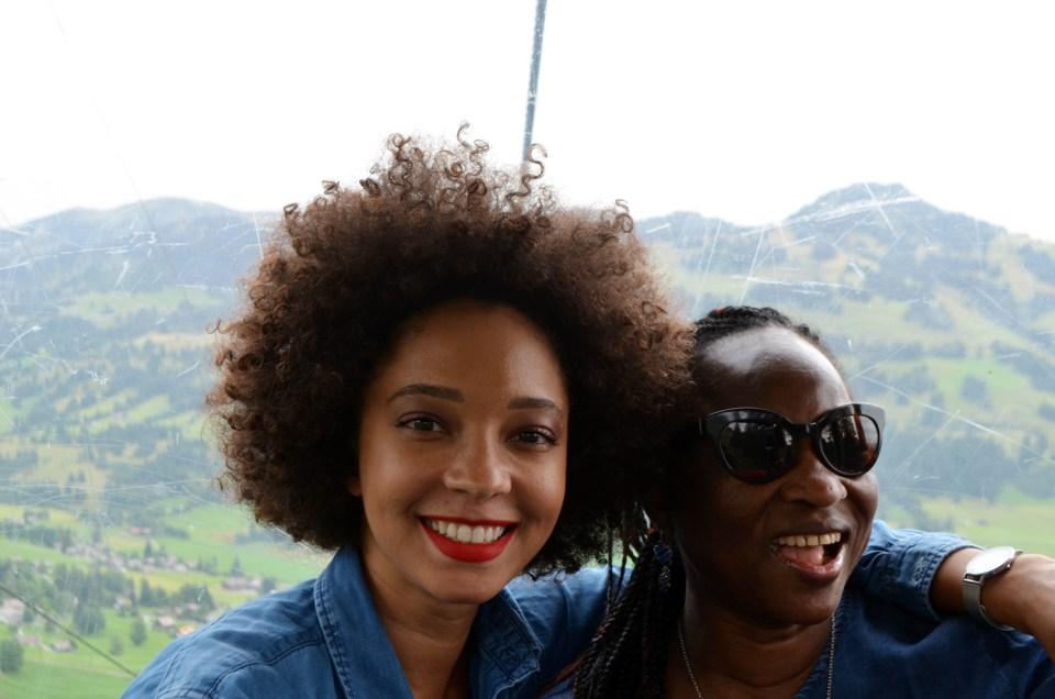 mercredie-blog-blogger-geneve-suisse-voyage-my-switzerland-grand-tour-roadtrip-europcar-accor-paysage-view-pre-prairie-montains-montagne-gstaad-rellerli2