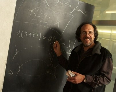 Lee Smolin at Blackboard