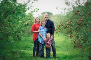 apple orchard chesapeake family photography
