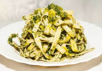 Linguini with pesto sauce