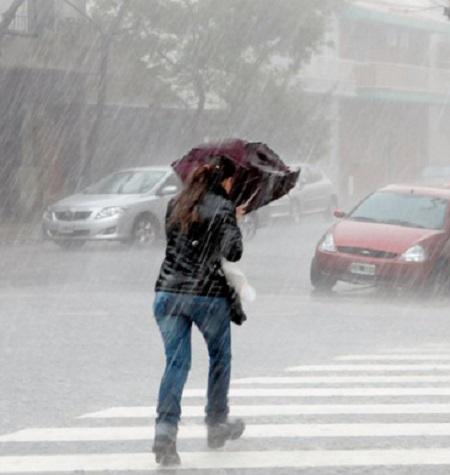 Alerta por viento y lluvia mañana viernes en diversas zonas de Extremadura