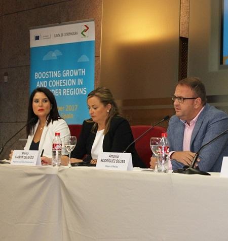 Osuna asiste a la inauguración del Workshop Comisión Europea en la Asamblea de Extremadura