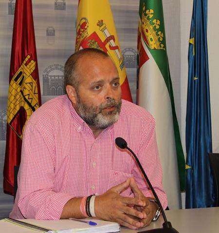 245.000 € para las obras de asfaltado y capa de rodadura en diferentes zonas de Mérida
