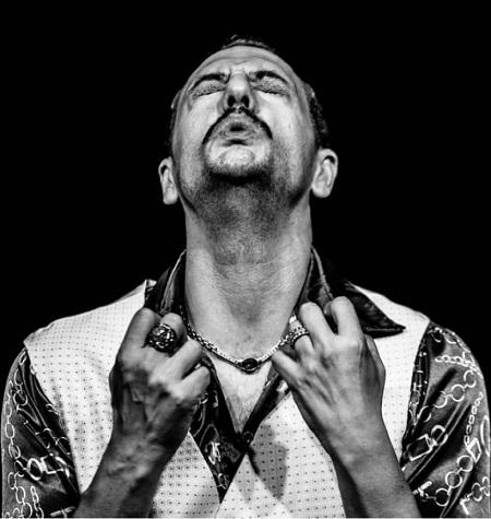 José Antonio Lucia protagoniza 'Alacrán o la ceremonia' en la Sala Trajano