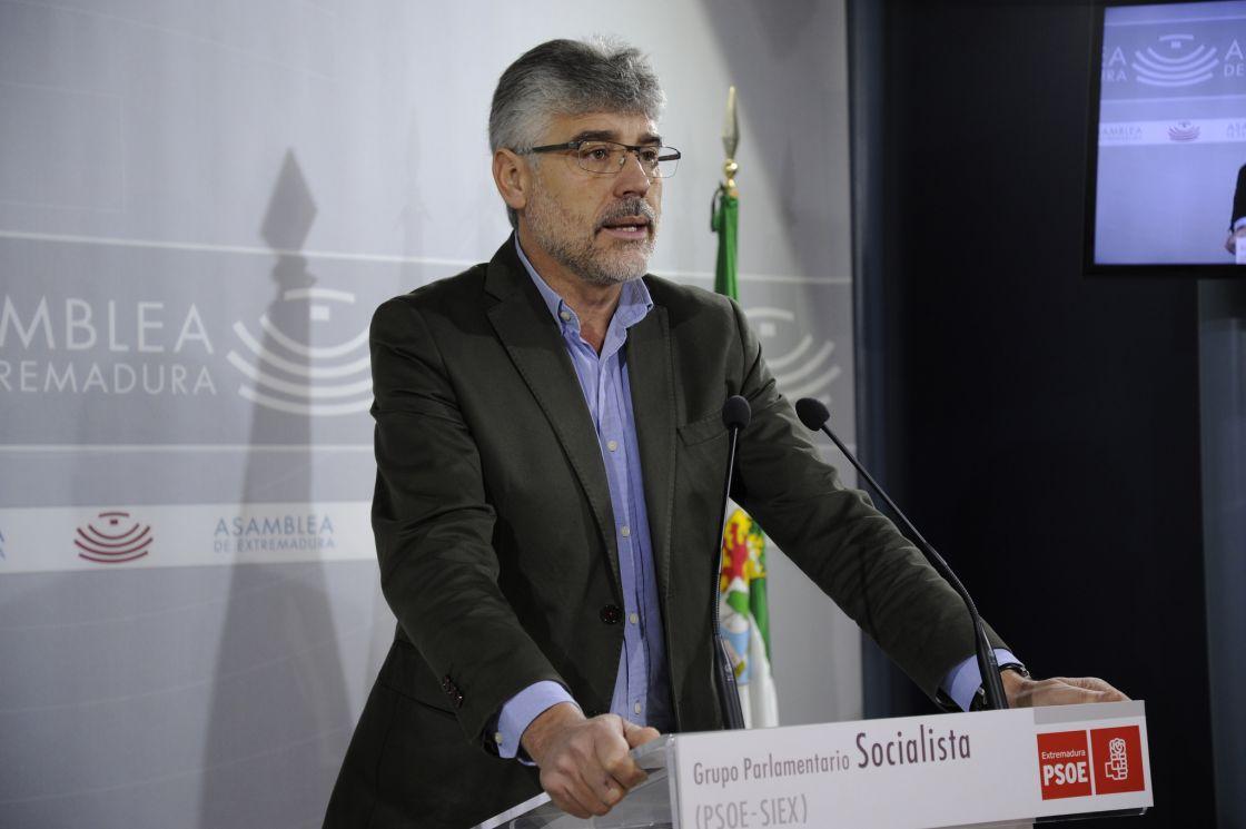 """""""El Gobierno de España da la espalda a la región, Rajoy castiga a Extremadura"""""""