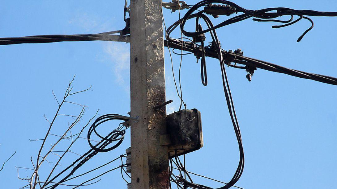 IU-Mérida llevará al pleno el soterramiento de los cables en la vía pública
