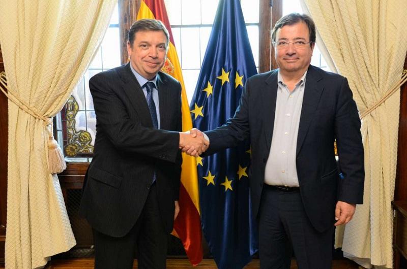 Vara reclama el apoyo del Gobierno para fortalecer las políticas y proyectos del sector agrario en Extremadura
