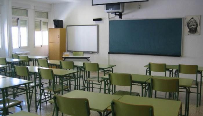 La Junta reforzará en un mínimo de 600 docentes la plantilla del próximo curso debido a la covid-19