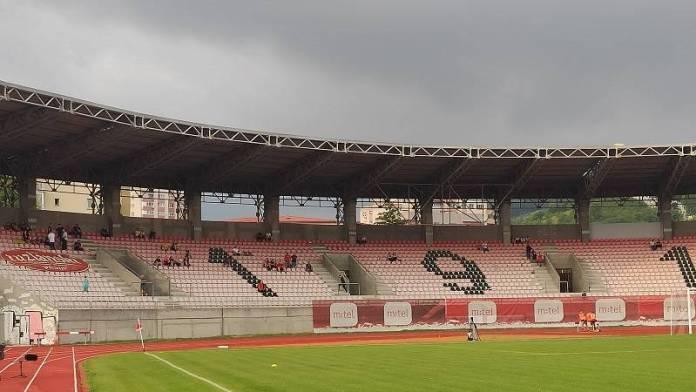 Rudar, Pune se tribine Tušnja pred utakmicu Slobode i Rudara (FOTO)