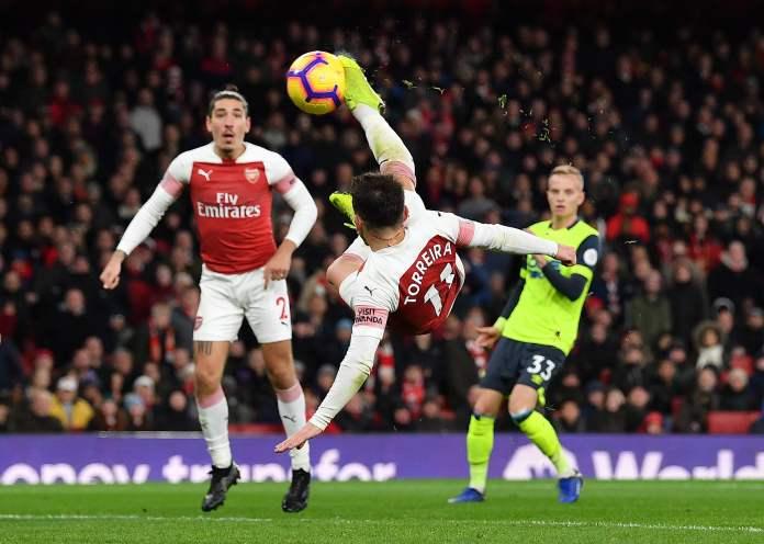 """Englezi u 4: Toreira ''makazama"""" lansirao Arsenal, Junajted se igrao, Barnli konačno! (VIDEO)"""