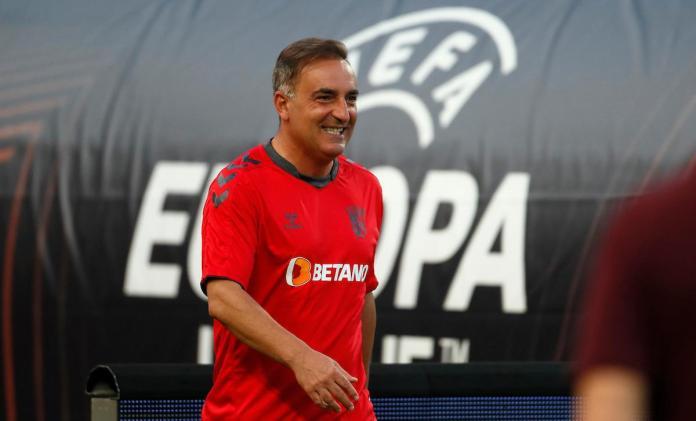Karlos Karvaljal-braga-trener