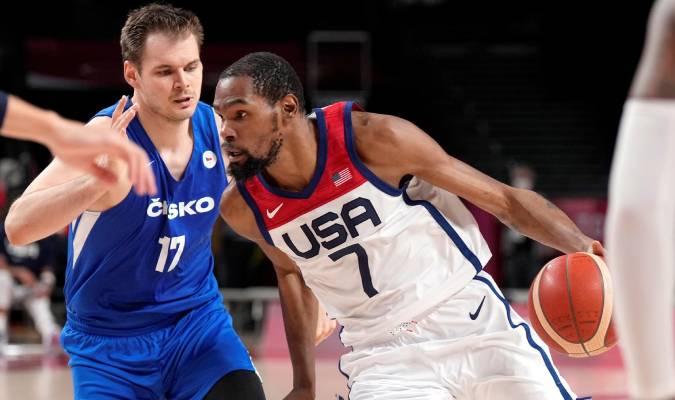 Durant se convirtió en el estadounidense en anotar más puntos con USA