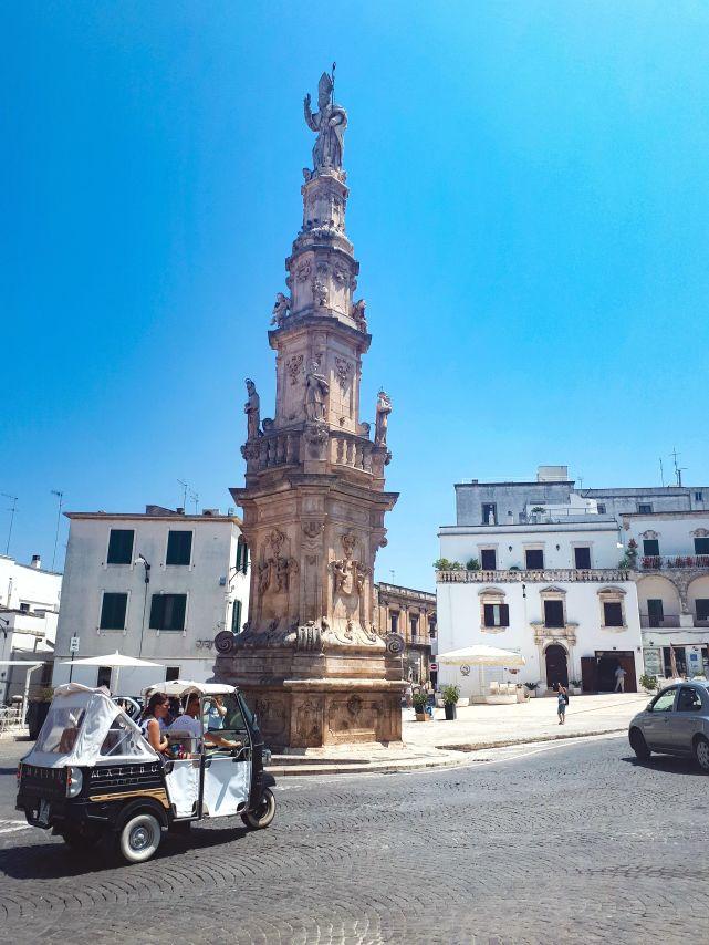 colonna di Sant'Oronzo Ostuni.jpg