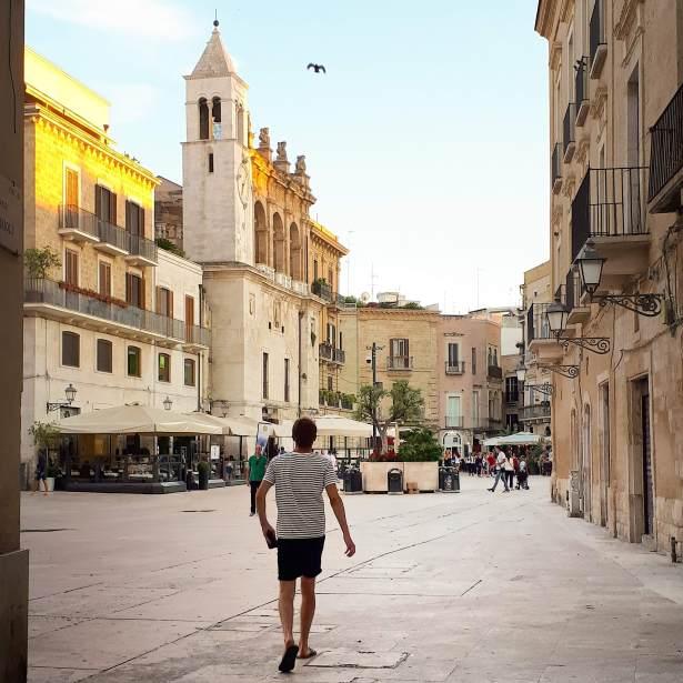 Piazza Mercantile Bari.jpeg