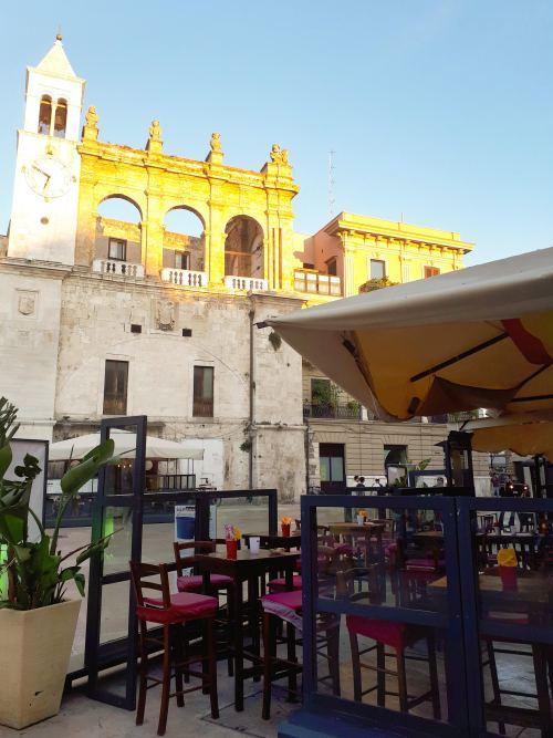 Bari Piazza Mercantile.jpg