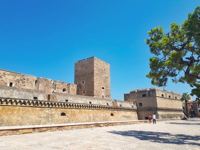 Castello Svevo di Bari.jpg