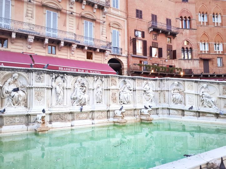 Fonte Gaia - Siena.jpeg