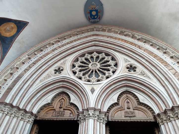 Assisi particolare Basilica Inferiore.jpeg