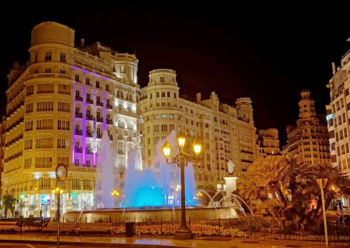 Valencia -Plaza Ayuntamiento - by night - 2