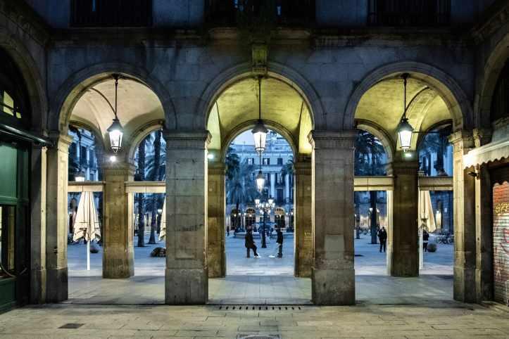 Portici-Plaça-Reial-Barcellona