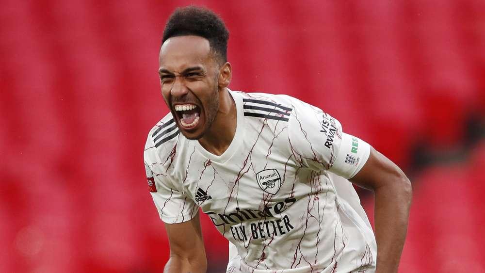 Aubameyang scores twice & Ozil features as Arsenal suffer friendly defeat to Aston Villa