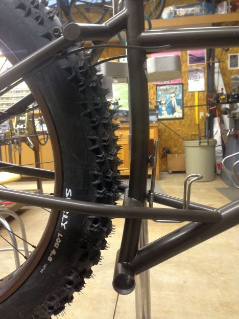 """My fatbike. 4.8"""" tires, 430mm chainstays."""