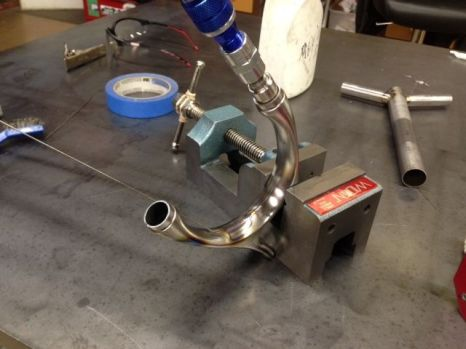a drill press vise for welding this helps a ton