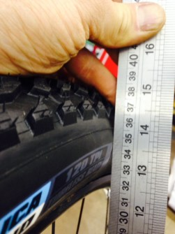 Radius to widest point of casing and tread