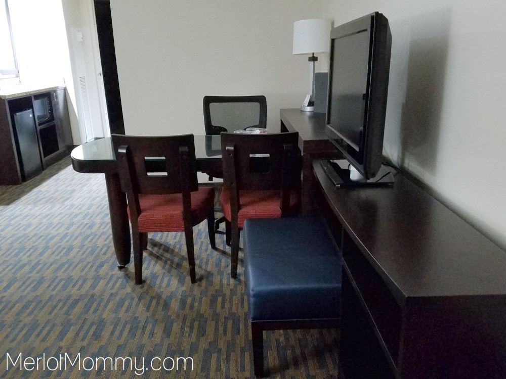 Embassy Suites by Hilton Seattle-Tacoma International Airport hotel desk